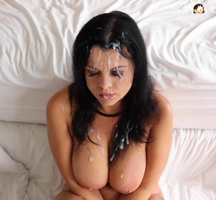TexxxasBukkake/TexasBukkake/ManyVids - Nadia White - Nadias 1st Gangbang, Bukkake (1080p/FullHD)