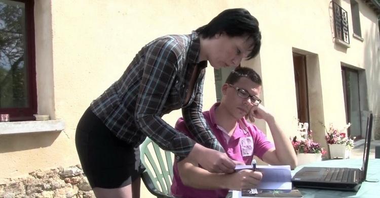 Lucie - Lucie, prof cougar et nympho, saccorde une pause avec son ElEve! [LaFRANCEaPoil] HD 720p