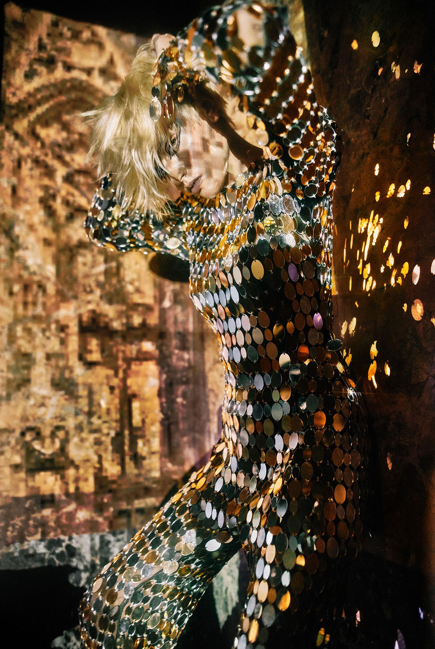 Рок-концерт в рекламной кампании модного бренда LouLou, осень-зима 2019 / фото 02