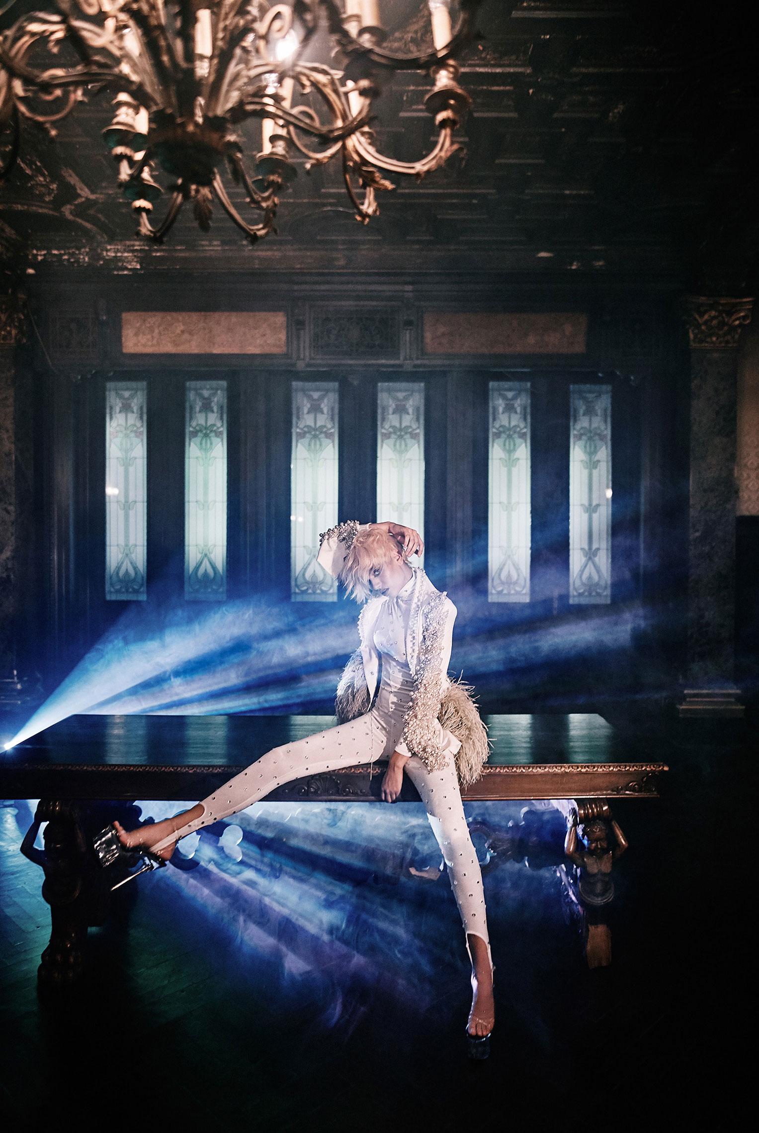 Рок-концерт в рекламной кампании модного бренда LouLou, осень-зима 2019 / фото 04