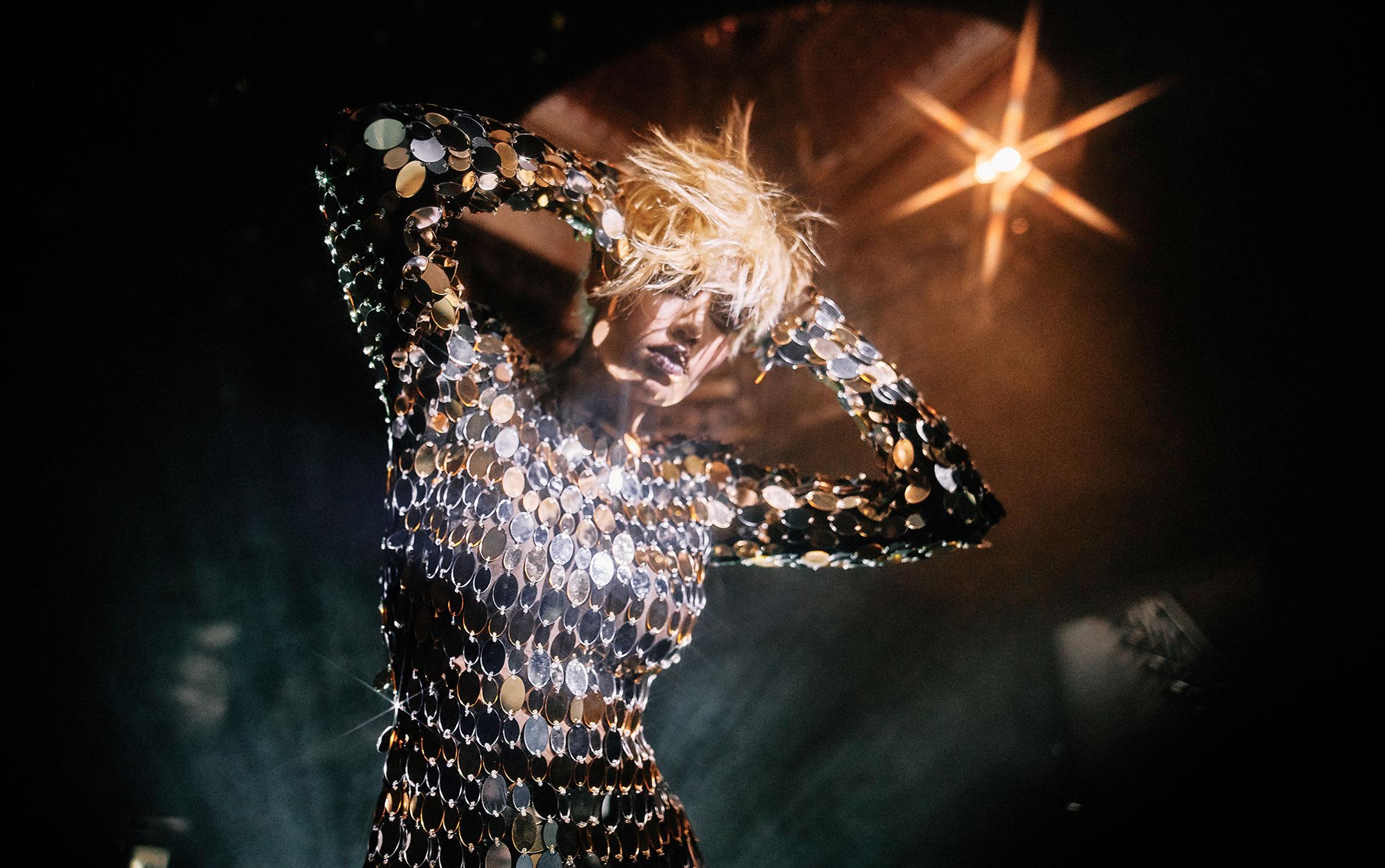 Рок-концерт в рекламной кампании модного бренда LouLou, осень-зима 2019 / фото 06