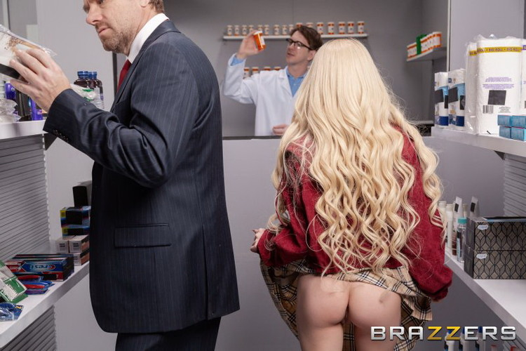 BrazzersExxtra/Brazzers: Kenzie Reeves - Anal Prescription Pickup [HD 720p] (768 MB)