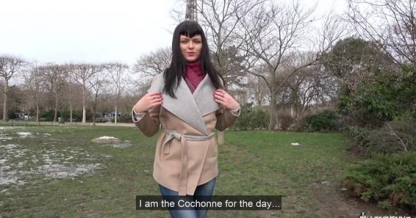 Sonya - Sonya Durganova [LaCochonne/PornDoePremium] (HD 720p)
