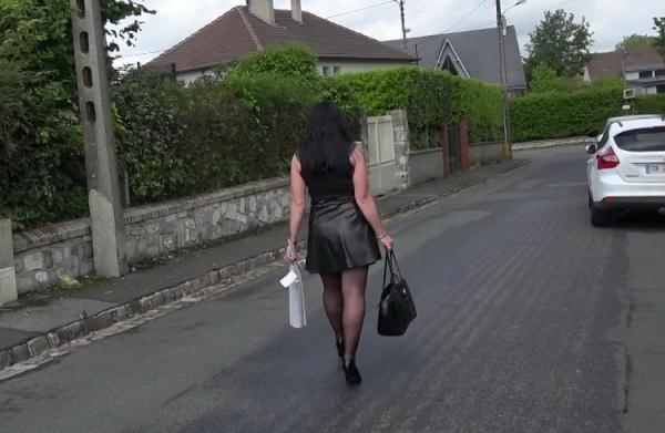 Berenice, 39ans, de Quincampoix (76) - Berenice [JacquieEtMichelTV/Indecentes-Voisines] (FullHD 1080p)
