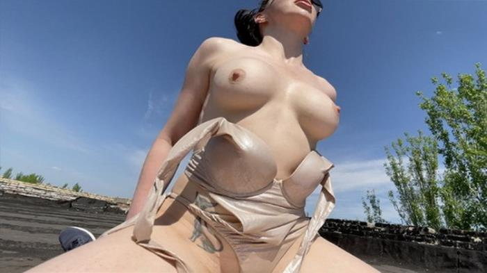 Porn.com: Fucked my busty best friend on the roof while she was sunbathing Starring: Hungry Kitty