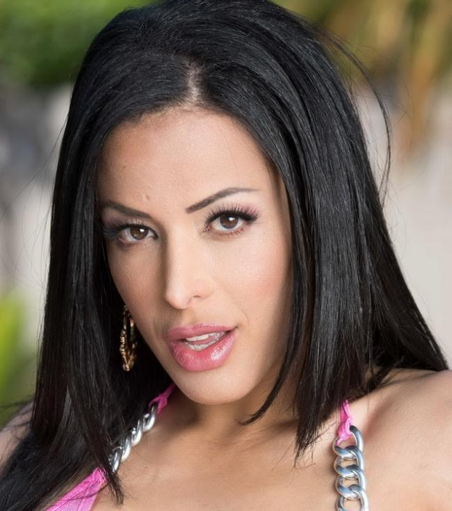 Layla Sin - A Very Wet Massage (2021 DirtyMasseur.com Brazzers.com) [FullHD   1080p  1.34 Gb]