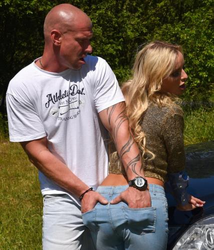 Victoria Pure - Jeans In Heat Get Filled With Some Fat Meat! (FullHD)