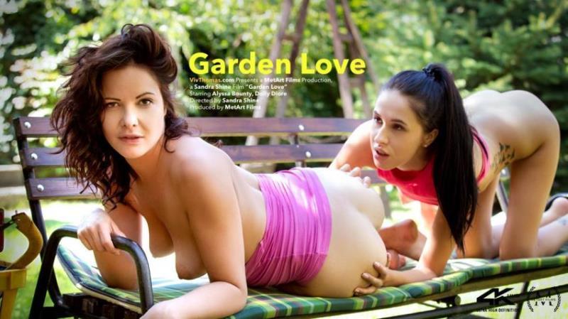 VivThomas.com: Alyssa Bounty, Dolly Diore - Garden Love [HD 720p] (784.49 Mb)