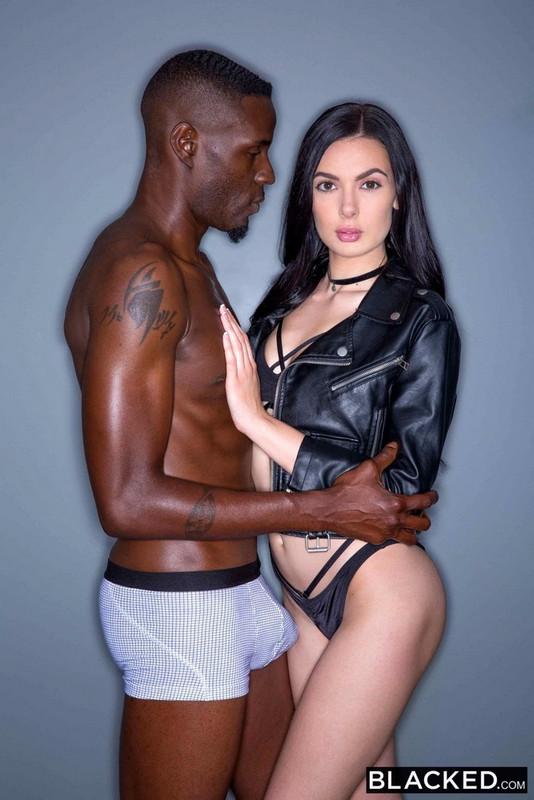 Marley Brinx - Sexy Model Loves Big Black Dick (2021 Blacked.com) [FullHD   1080p  2.85 Gb]