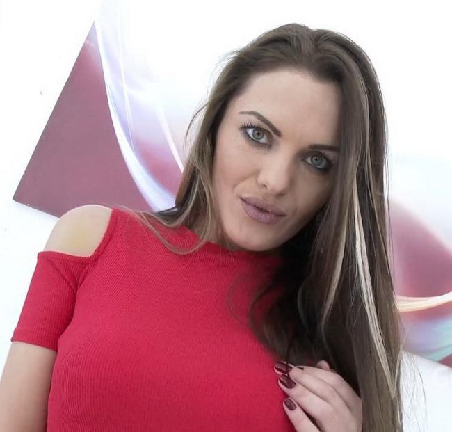 Dominica Phoenix - Dominica Phoenix prepares her asshole with fisting for DAP, triple anal SZ1689 (2021 LegalPorno.com) [HD   720p  1.82 Gb]