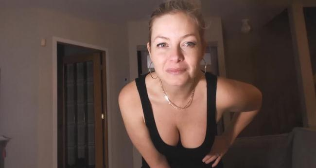 Missbehavin26 - Bullies Blackmail Mom infront of Son (2021 Manyvids.com) [HD   720p  299.22 Mb]
