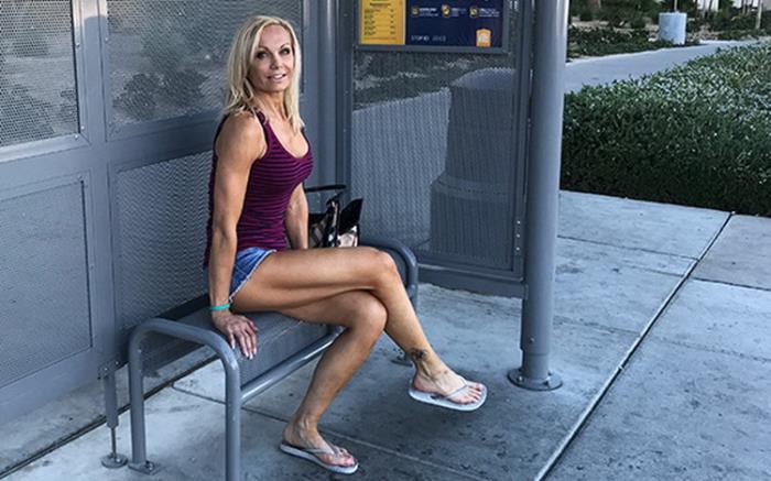 Unknown - Fit blonde cougar MILF porn newb (2021 MomPov.com) [HD   720p  2.33 Gb]