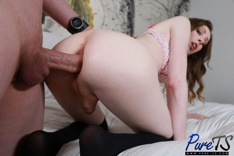 Emily Snow - Anal Sex Linkup [Pure-ts] FullHD 1080p