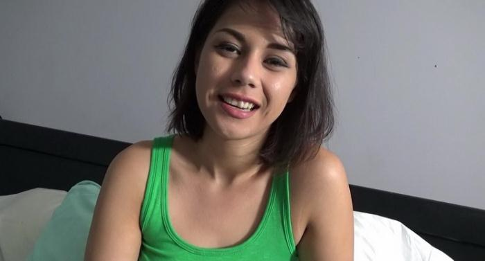 Penelope Reed - Late Night Text (HD 720p) - Family Therapy/Clips4Sale - [2021]