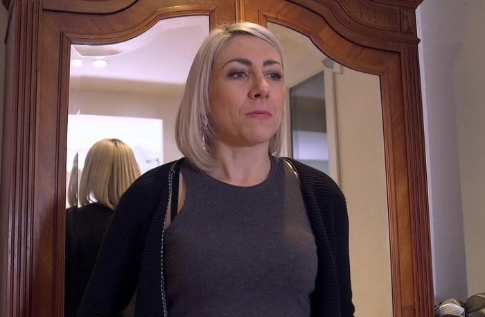 Julie - Julie, fantasme tres particulier (FullHD 1080p) - JacquieEtMichelTV/Indecentes-Voisines - [2021]
