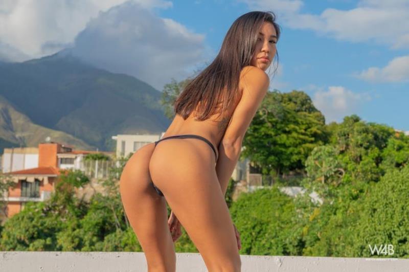 Watch4Beauty.com - Sakari Rios - Teaser On The Roof (1080p/FullHD)