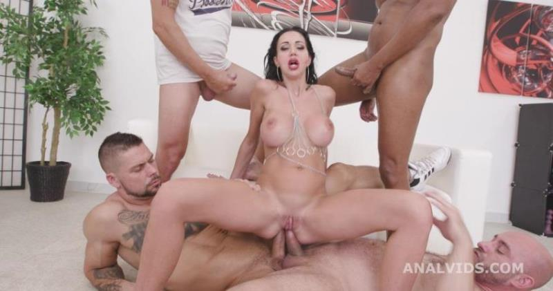 Laura Fiorentino - Naked Barefoot goes Wet, Laura Fiorentino, 4on1, ATM, DAP, Rough Sex, Gapes, ButtRose, Pee Drink, Squirt, Cum in Mouth GIO1901 [FullHD/1080p/4.78 Gb] LegalPorno.com/AnalVids.com