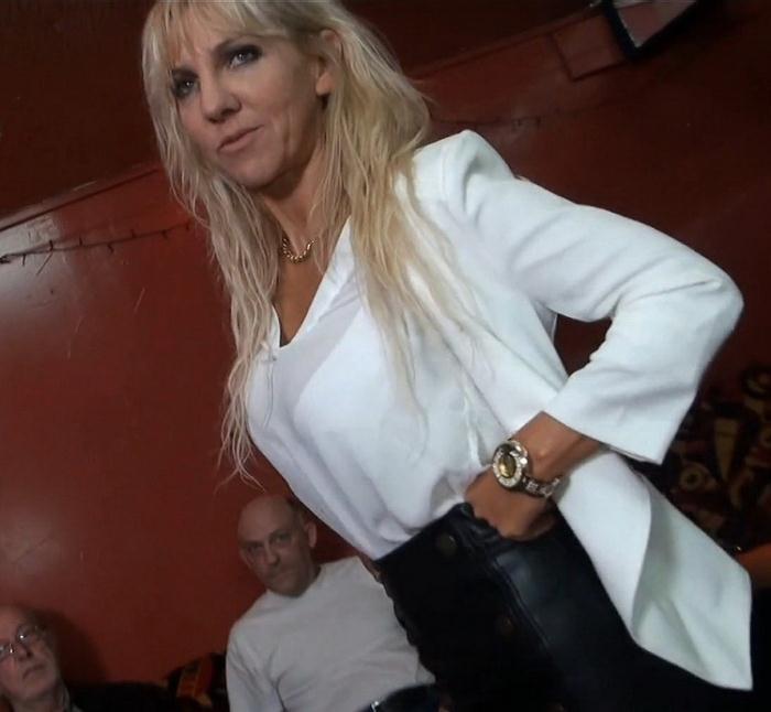 Therese - Therese fait un tour en maison de retraite (FullHD 1080p) - JacquieEtMichelTV/Indecentes-Voisines - [2021]