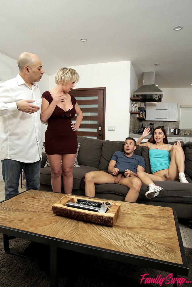 FamilySwap.xxx/Nubiles-Porn - Dee Williams, Vanna Bardot - My Family Swap Sister [HD 720p]