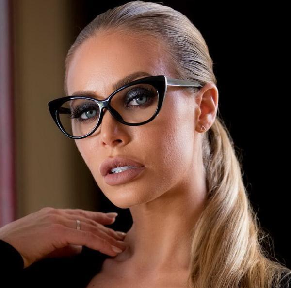 BrazzersExxtra/Brazzers: Nicole Aniston - Fix Your Fucking Marriage (HD) - 2021