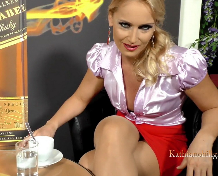 Kathia Nobili - Your first experience of PUBLIC sex with your MOMMY!!! Could you wish for more this Christmas! [FullHD/1080p/813 MB] KathiaNobiliGirls/Clips4Sale