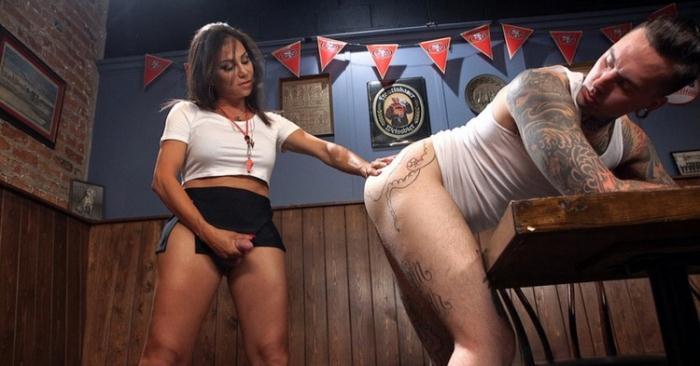 Jaquelin Braxton - Jaqueline Braxton fucks, then gets fucking shooting a huge fat load! (HD 720p) - TSSeduction/Kink - [2021]