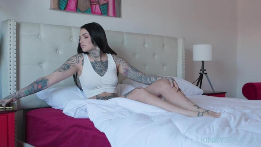 KinkySpa.com / MetroMovies.com - Leigh Raven - Tattooed babe Leigh Raven gets fucked by her hung black masseur [FullHD 1080p] - July 30, 2021