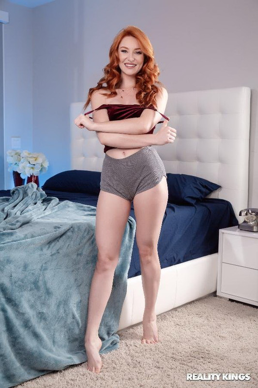 RKPrime.com RealityKings.com: Stealing Clothes And Cock Starring: Lacy Lennon