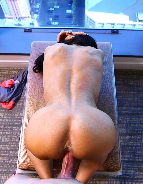 MomPov - Ericca - Bodybuilder GILF loves ass fucking [HD 720p]
