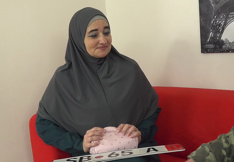 SexWithMuslims: Ameli - Muslim milf pays for service with her body [UltraHD/2K 1920p 1.21 GB]