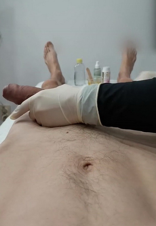 lisafem - Dick Wax Depilation by Esthetician  Holds my Foreskin  Massage Oil the end [FullHD 1080p] 2021